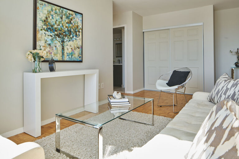 Modern one bedroom apartment - The Summerhill at Yonge & St. Clair