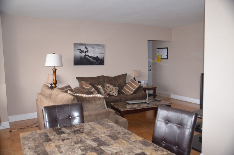 Living space in three bedroom apartment near Keele & Wilson - Humber River Apartments