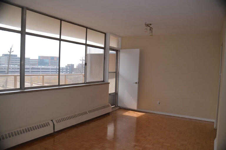 Three bedroom apartment with balcony near Keele & Wilson - Humber River Apartments