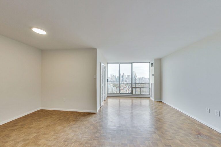 Luxury one bedroom apartment - The Summerhill at Yonge & St. Clair