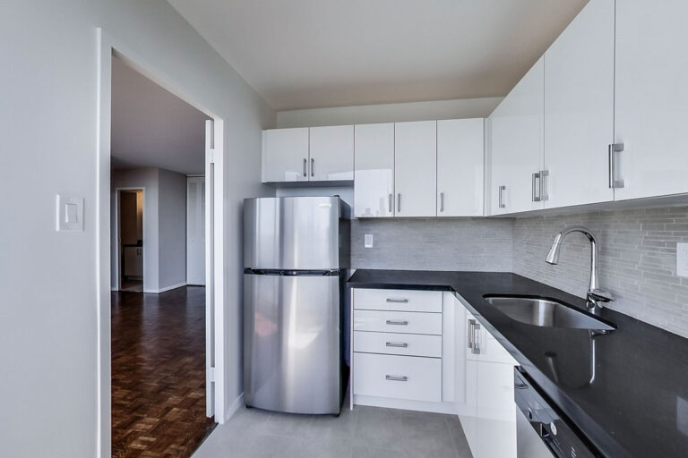 Modern kitchen in one bedroom apartment - The Summerhill at Yonge & St. Clair