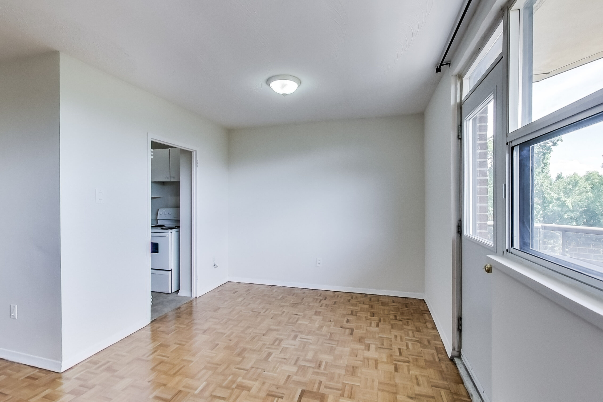 Dining space in one bedroom apartment - The Park Mills at the 401 and DVP