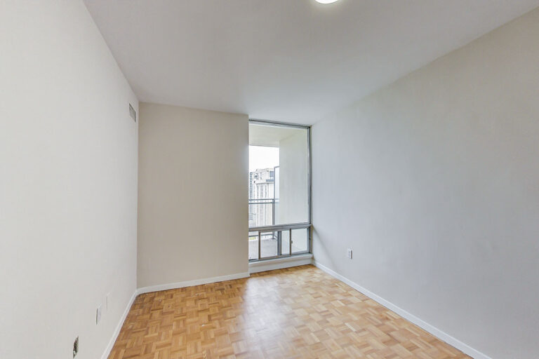 Cozy bedroom in jr. one bedroom apartment - The Summerhill at Yonge & St. Clair